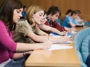 Perioada depunerii dosarelor pentru admitere la studii în România